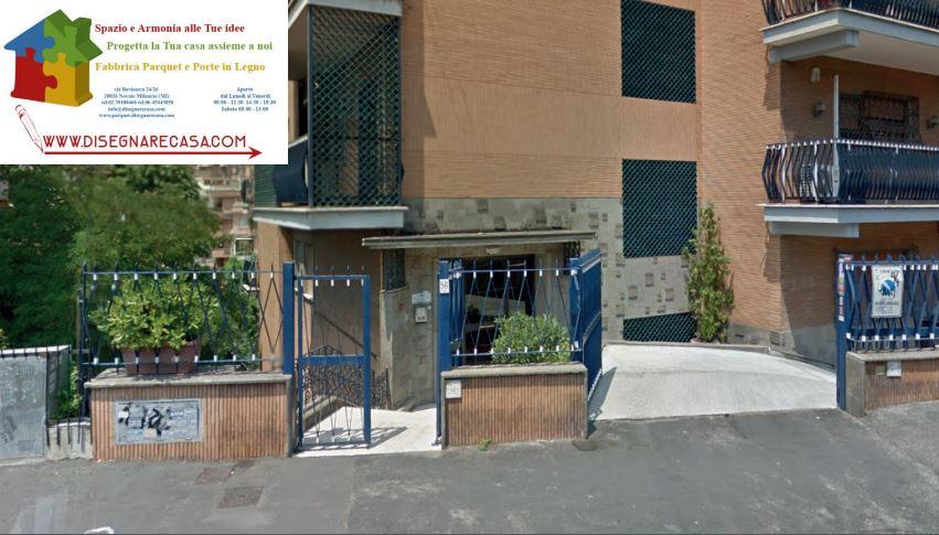 Showroom parquet antigraffio pavimentazione in legno porta battente - Disegnare casa parquet recensioni ...